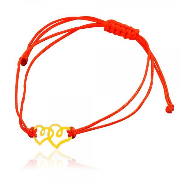 гривна с червен конец и златен елемент